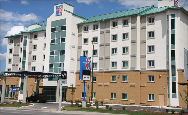 Deliciously Affordable Packages from the Motel 6 in Niagara Falls