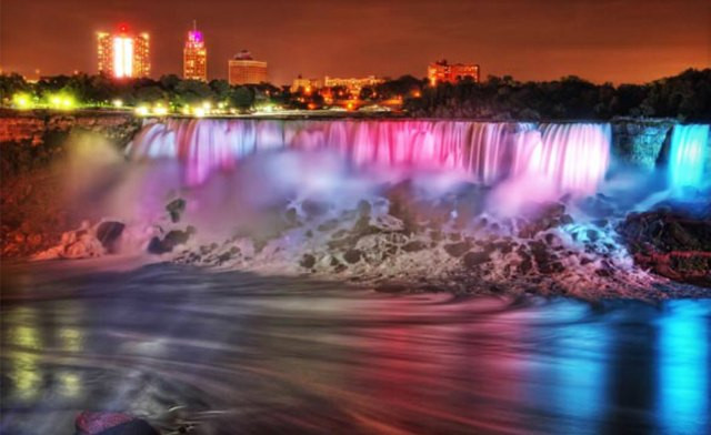 Click to view Wine & Dine Getaway to Niagara Falls