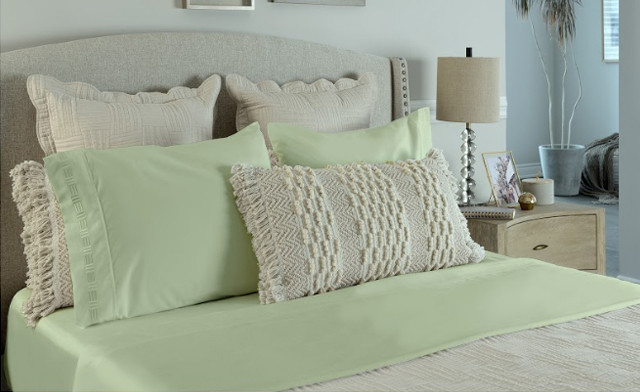 $19 for a 4 Piece 1500 Thread Count Bed Sheet Set with Embroidery in Twin, Double, Queen or King Sizes (a $139 Value)