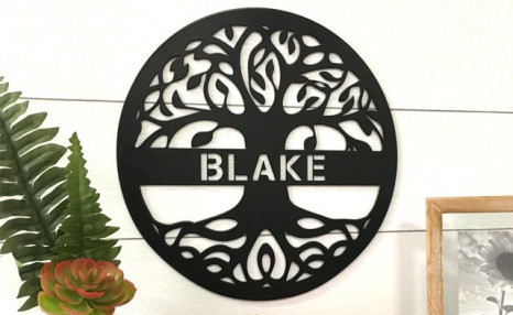 Up to 50% off Personalized Tree of Life Metal Signs