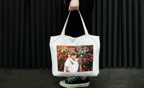 Up to 57% off Personalized Tote Bags from Photobook Canada