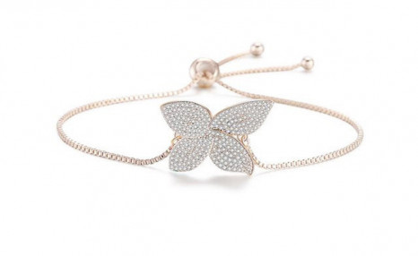 Click to view $15.72 for an Adjustable Swarovski Lucky Clover Bracelet - Shipping Included (a $139 Value)