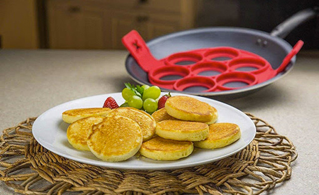 Click to view $10 for a Perfect Mini Pancake Maker (a $17.97 Value)