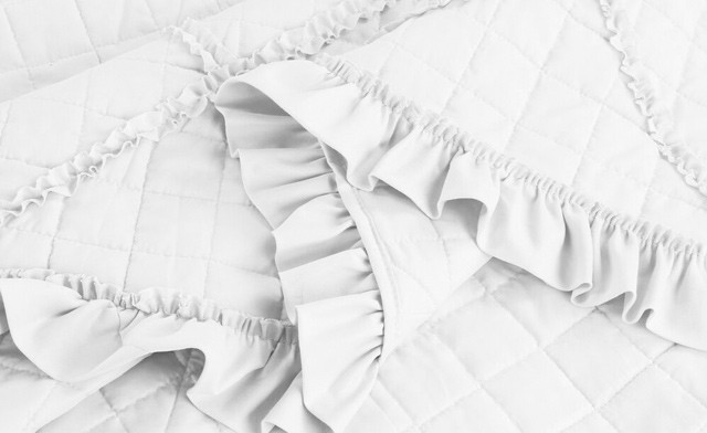 Up to 70% off an Embroidered Quilt Set