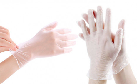 $12.90 for a 100-Pack of Vinyl Gloves (a $22.99 Value)