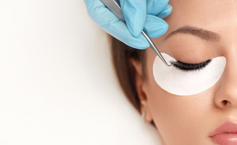 $49 for a Full Set of Classic Eyelash Extensions (a $90 Value)