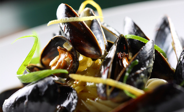 $22 for 10 lb of Mussels in the Shell (a $45 Value)