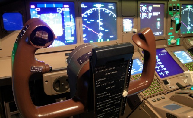 FLASH SALE! $99 for a 1-Hour Flight Simulator Experience for up to 2 People in a Replica of a 777 Cockpit with an Instructor - Includes Gold Upgrade (a $289.90 Value)